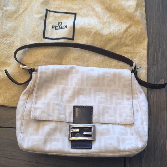 Fendi Handbags - Fendi bag *please read description*